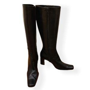 DI NUCCIO Knee High Heeled Leather Boot Square Toe